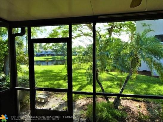 3395 Carambola Cir #3395, Coconut Creek, FL - USA (photo 4)