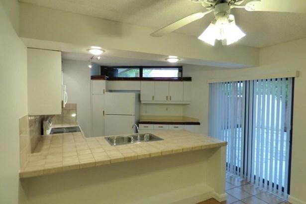 3688 Victoria Drive, West Palm Beach, FL - USA (photo 4)