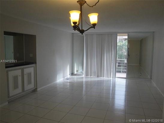 406 Nw 68th Ave  #301, Plantation, FL - USA (photo 4)