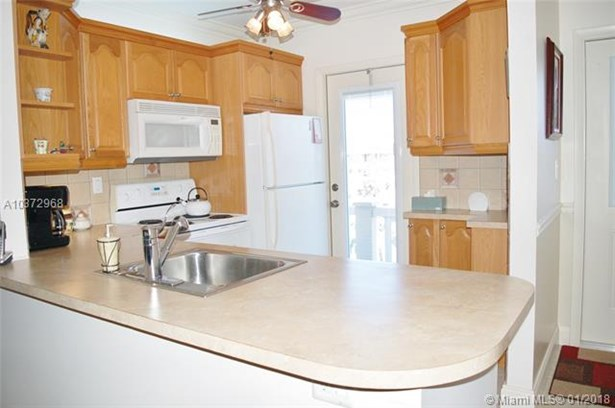 5000 Nw 36th St  #604, Lauderdale Lakes, FL - USA (photo 1)