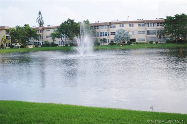 5000 Nw 36th St  #604, Lauderdale Lakes, FL - USA (photo 5)
