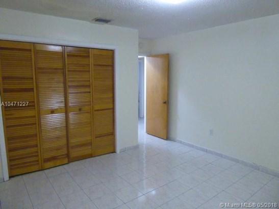 3304 Sw 23rd St  #0, Miami, FL - USA (photo 5)