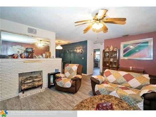 2531 Plunkett St, Hollywood, FL - USA (photo 5)