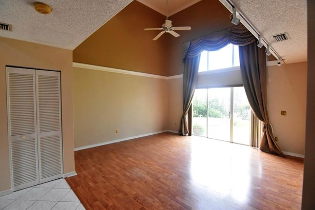 Single-Family Home - Deerfield Beach, FL (photo 5)