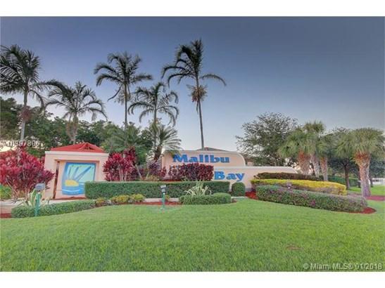 657 Nw 208th Dr  #657, Pembroke Pines, FL - USA (photo 2)