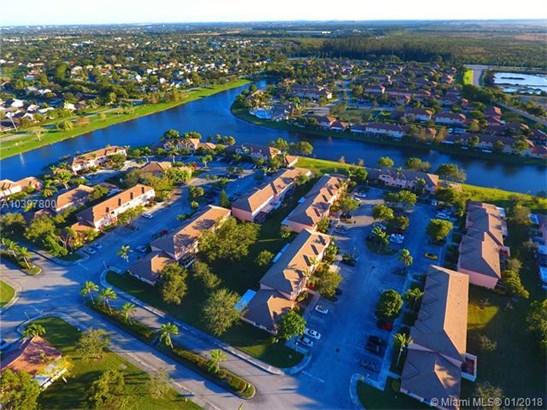 657 Nw 208th Dr  #657, Pembroke Pines, FL - USA (photo 4)
