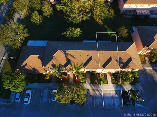 657 Nw 208th Dr  #657, Pembroke Pines, FL - USA (photo 5)