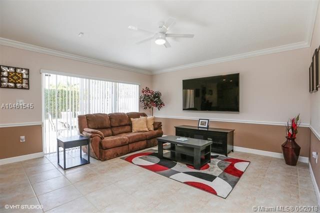 Unidsclosed Sw Address, Miami, FL - USA (photo 5)