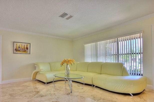8337 Se Coconut Street, Hobe Sound, FL - USA (photo 4)