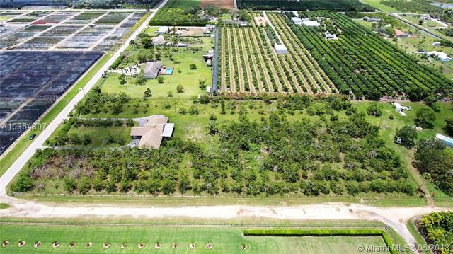 19415 Sw 272nd St, Homestead, FL - USA (photo 3)