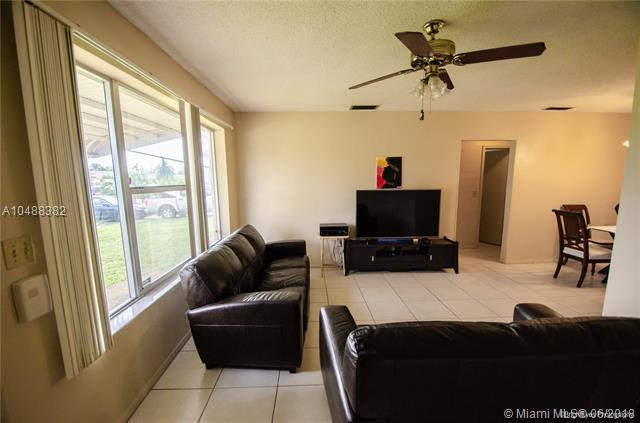 8620 Nw 26th St, Sunrise, FL - USA (photo 3)