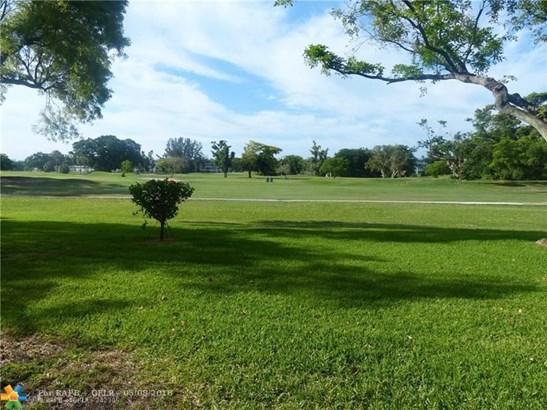 3100 N Palm Aire Dr #108, Pompano Beach, FL - USA (photo 4)