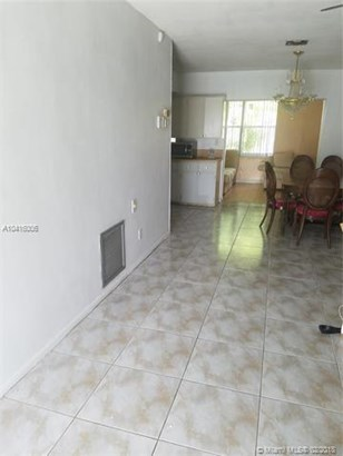 5089 Nw 43rd Ct, Lauderdale Lakes, FL - USA (photo 2)