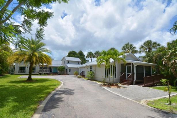 Single-Family Home - Stuart, FL (photo 4)