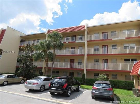 1035 Country Club Dr  #203, Margate, FL - USA (photo 1)