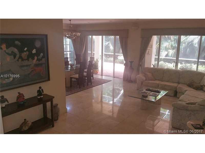 Single-Family Home - Doral, FL (photo 4)