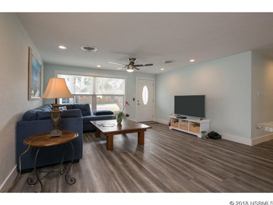 210  Ocean Ave , New Smyrna Beach, FL - USA (photo 4)