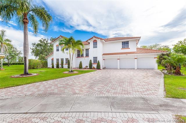 210 Nw 195th Ave, Pembroke Pines, FL - USA (photo 1)