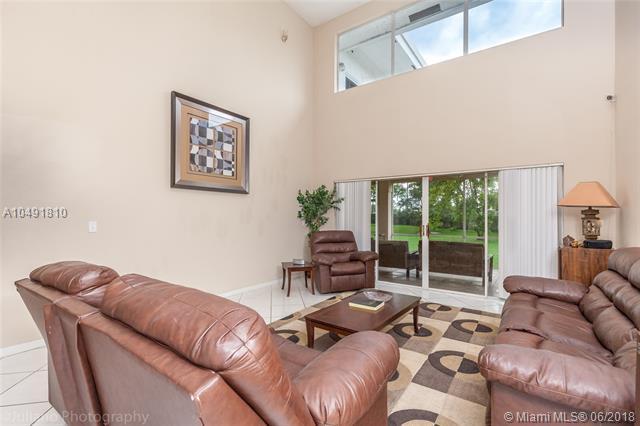 210 Nw 195th Ave, Pembroke Pines, FL - USA (photo 4)