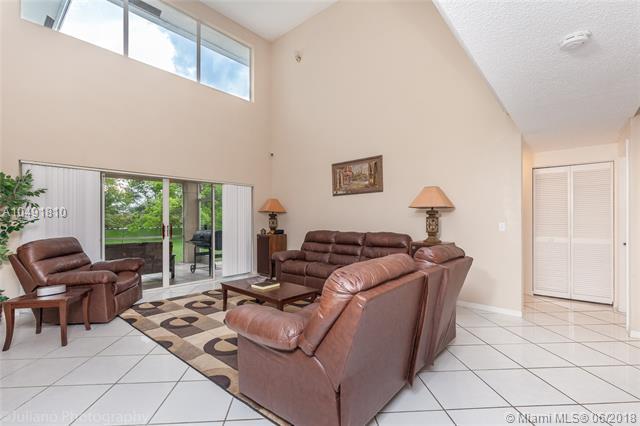 210 Nw 195th Ave, Pembroke Pines, FL - USA (photo 5)