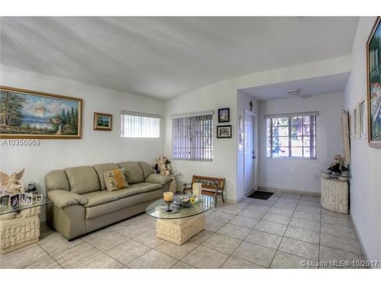Single-Family Home - Miami Lakes, FL (photo 2)