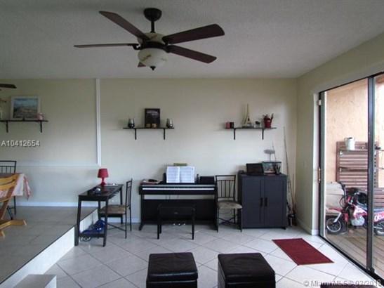 1401 Nw 92nd Ave  #196, Pembroke Pines, FL - USA (photo 4)