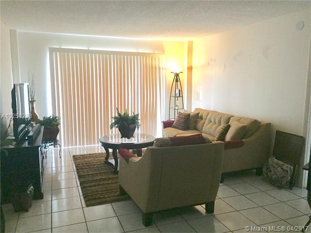 4174 Inverrary Dr, Lauderhill, FL - USA (photo 1)