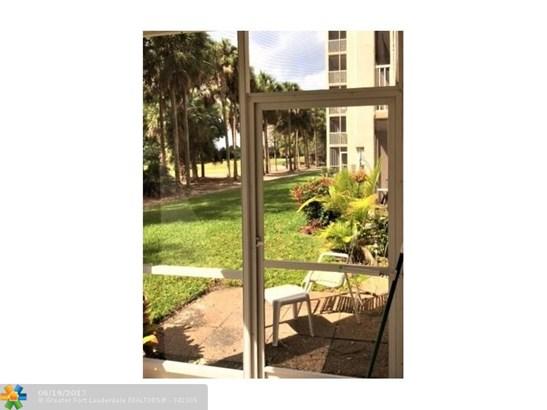 Condo/Townhouse - Plantation, FL (photo 5)