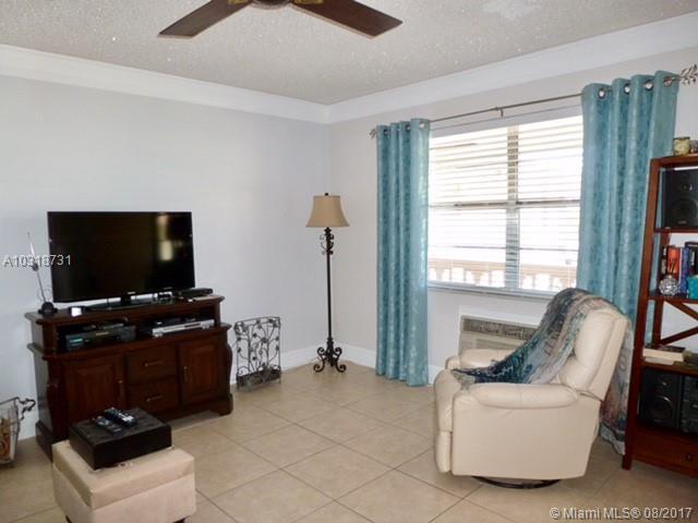 Condo/Townhouse - North Miami Beach, FL (photo 5)