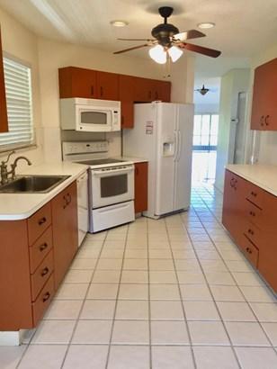 8639 Eagle Run Drive Unit 12, Boca Raton, FL - USA (photo 5)
