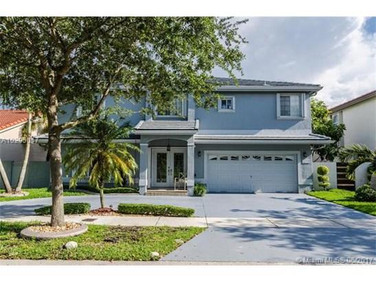 8878 Nw 187th St, Hialeah, FL - USA (photo 1)