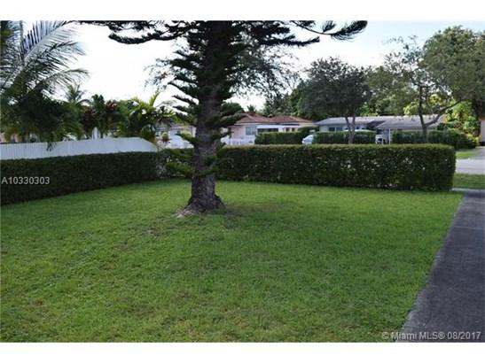 Single-Family Home - North Miami Beach, FL (photo 2)