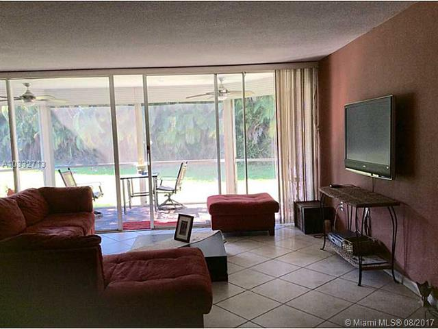 1351 Ne 191st St  #e117, Miami, FL - USA (photo 4)