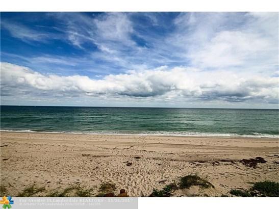 1167 Hillsboro Mile #403, Hillsboro Beach, FL - USA (photo 2)