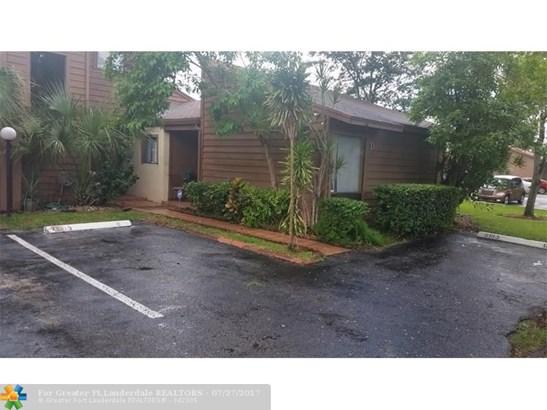 6193 Pine Tree Ln #d, Tamarac, FL - USA (photo 2)