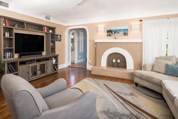 Single-Family Home - West Palm Beach, FL (photo 5)