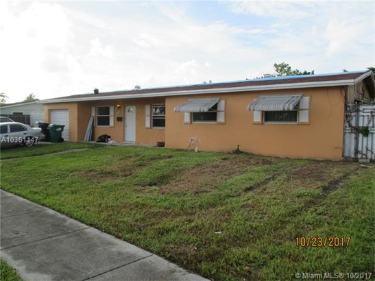 8491 Nw 185th St, Hialeah, FL - USA (photo 2)
