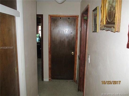 8491 Nw 185th St, Hialeah, FL - USA (photo 5)
