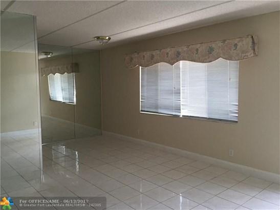Rental - Palm Springs, FL (photo 3)