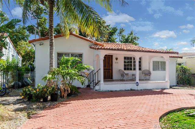 2754 Sw 20th St, Miami, FL - USA (photo 1)