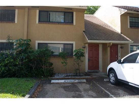 3220 Nw 88th Ave, Sunrise, FL - USA (photo 2)