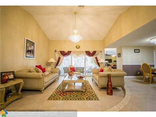 3816 Nw 71st Dr, Coral Springs, FL - USA (photo 2)