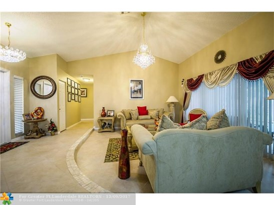 3816 Nw 71st Dr, Coral Springs, FL - USA (photo 5)