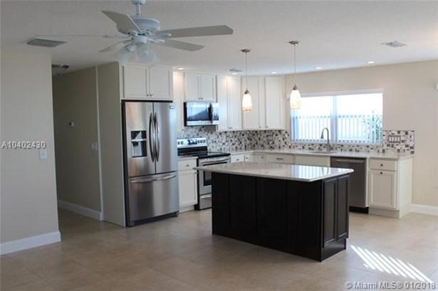 8646 Nw 10th St  #d83, Plantation, FL - USA (photo 3)