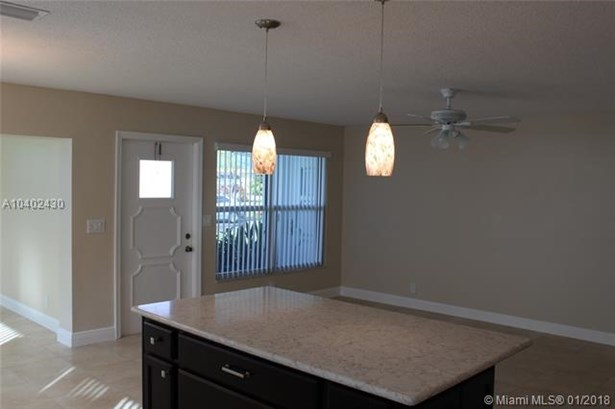 8646 Nw 10th St  #d83, Plantation, FL - USA (photo 4)