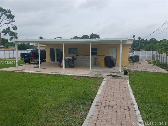 2102 Laura Ln, West Palm Beach, FL - USA (photo 2)