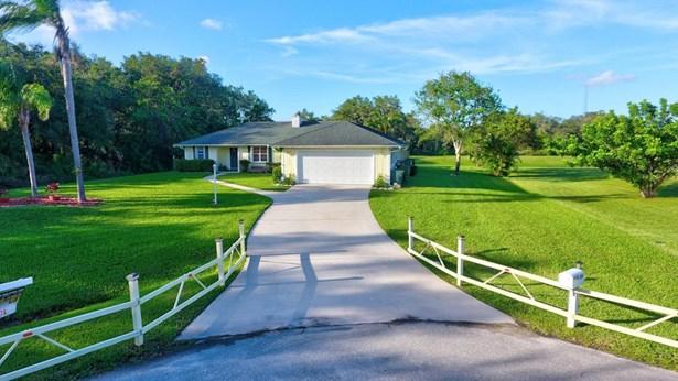 3606 River Birch Drive, Fort Pierce, FL - USA (photo 2)