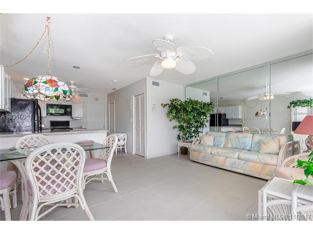 4630 Poinciana St, Lauderdale By The Sea, FL - USA (photo 3)