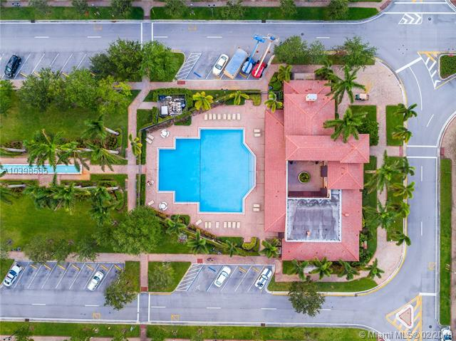 1426 Sw 147 Ter  #0, Pembroke Pines, FL - USA (photo 3)