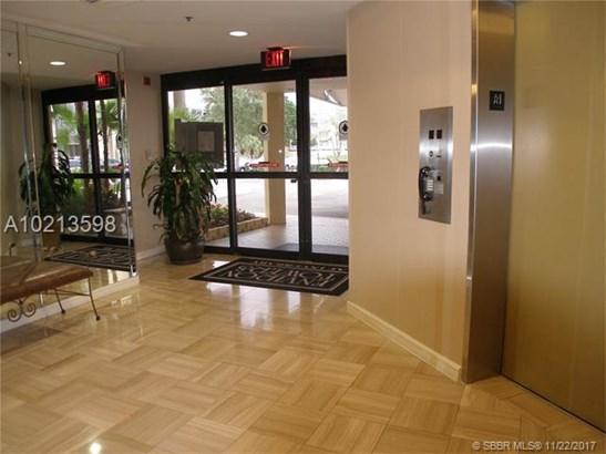 7300 Radice Court  #608, Lauderhill, FL - USA (photo 5)